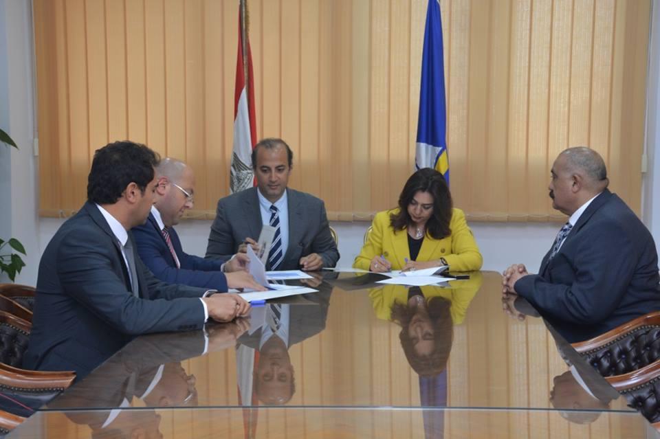 محافظ دمياط و المدير التنفيذي لصندوق تحيا مصر يوقعان بروتوكول تعاون لتنفيذ مشروع شارع