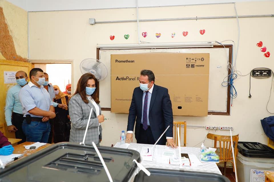 فى أول أيام انتخابات مجلس الشيوخ ... الدكتورة منال عوض تتفقد عدد من لجان الاقتراع بمدينة دمياط